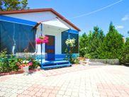 Снять квартиру со свободной планировкой по адресу Крым, г. Феодосия, пгт Орджоникидзе, линия, дом 1