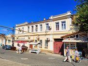 Купить трёхкомнатную квартиру по адресу Крым, г. Евпатория, Караимская, дом 36