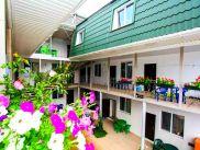 Снять квартиру со свободной планировкой по адресу Крым, г. Алушта, с. Солнечногорское, Приморская, дом 18