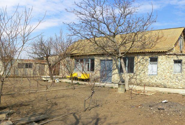 Купить коттедж или дом по адресу Крым, Сакский р-н, с. Молочное, Гагарина, дом 62а