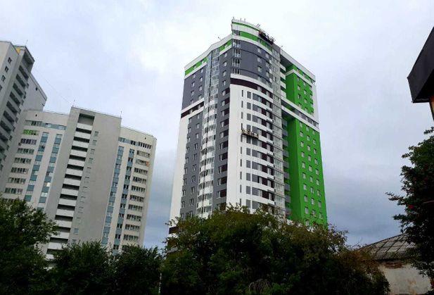 Купить однокомнатную квартиру по адресу Свердловская область, г. Екатеринбург, Библиотечная, дом 48