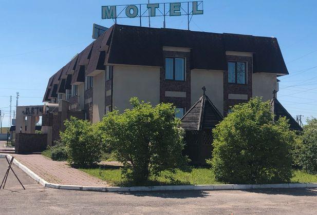 Купить гостиницу или мотель по адресу Калужская область, Малоярославецкий р-н, д. Желудовка, Придорожная