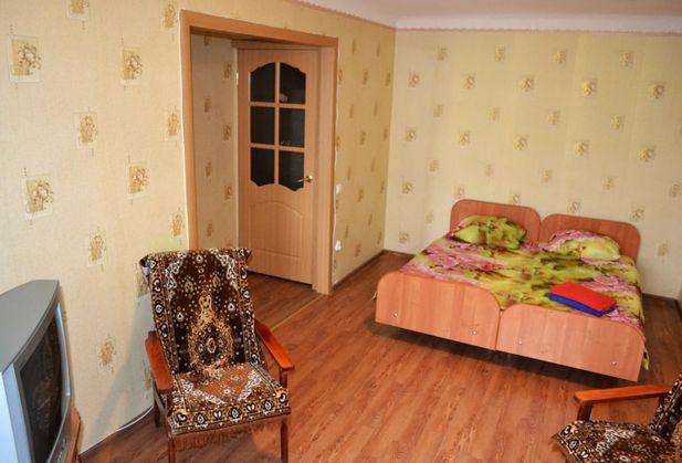 Снять однокомнатную квартиру по адресу Ростовская область, г. Шахты, Победа Революции, дом 128 , к. А