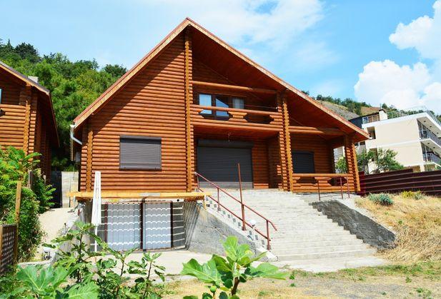 Купить коттедж или дом по адресу Крым, г. Алушта