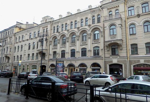Купить трёхкомнатную квартиру по адресу Санкт-Петербург, Невский, дом 96