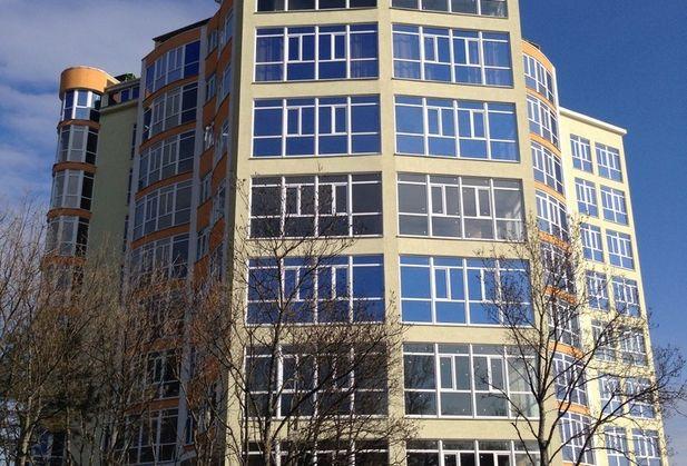 Купить трёхкомнатную квартиру по адресу Крым, г. Ялта, пгт Восход, Авроры, дом 110