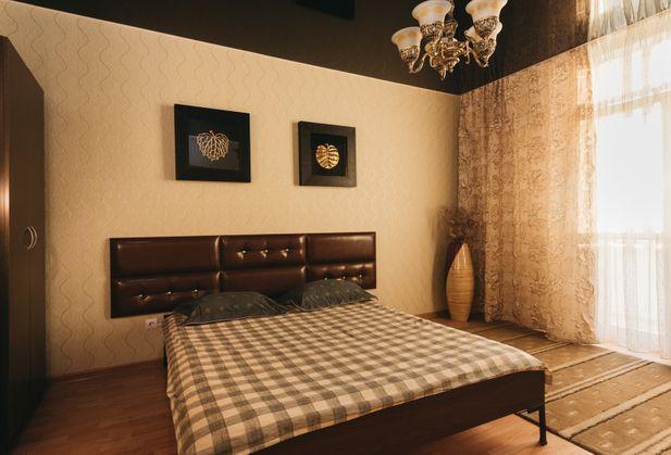 Купить квартиру со свободной планировкой по адресу Свердловская область, Фурманова , дом 103, стр. дом