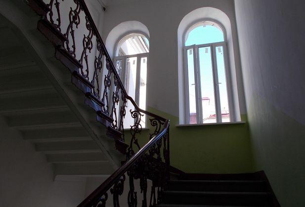 Купить четырёхкомнатную квартиру по адресу Санкт-Петербург, Казанская, дом 42