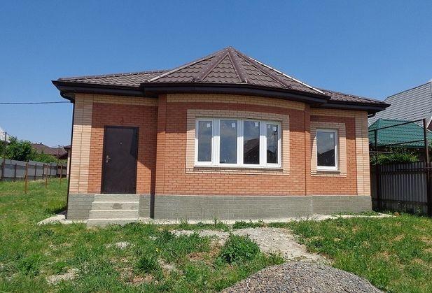 Купить четырёхкомнатную квартиру по адресу Ростовская область, Мясниковский р-н, х. Калинин, Донская, дом 10