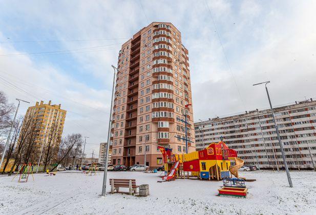 Купить трёхкомнатную квартиру по адресу Санкт-Петербург, Пионерстроя, дом 21, к. 1